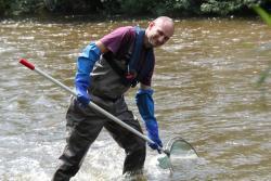 Fischfang mit dem Kescher